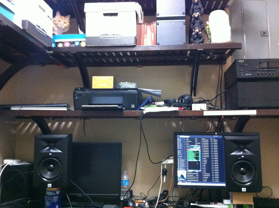 jbl lsr305 studio monitors. Black Bedroom Furniture Sets. Home Design Ideas